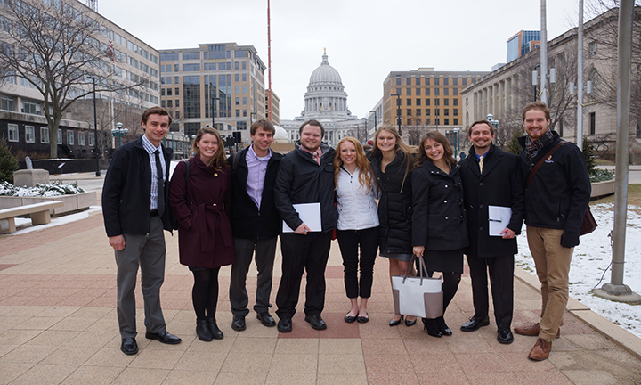 Group of pharmacy students in front of the Capitol.