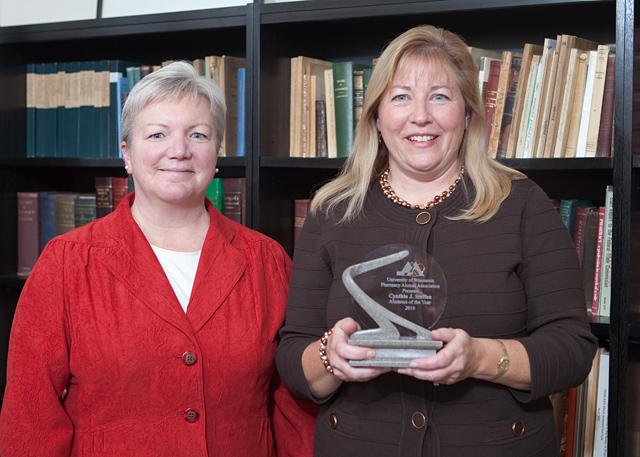 Dean Jeanette Roberts stands with 2010 Alumna of the Year Cindy Steffen.