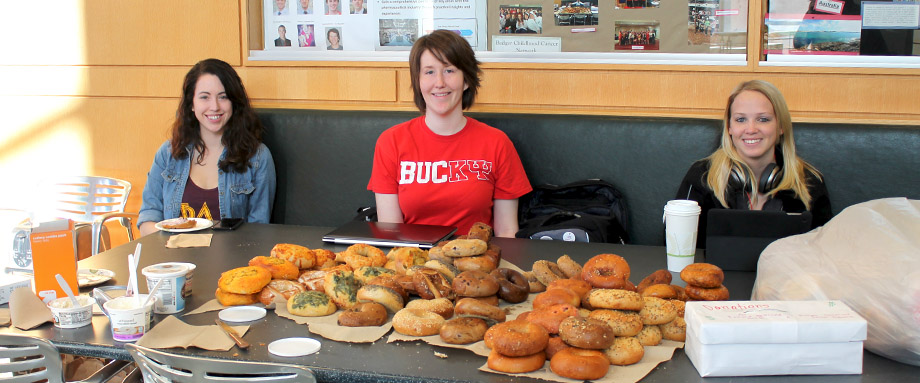 Kappa Psi students sell bagels for a fundraiser